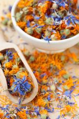 Dried cornflower and marigold tea - calendula e fiordaliso