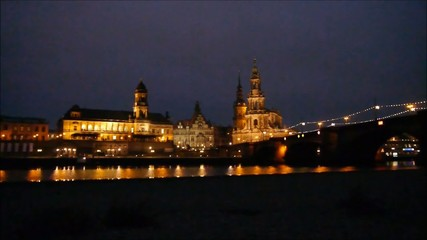 Dresden Skyline in der Dämmerung
