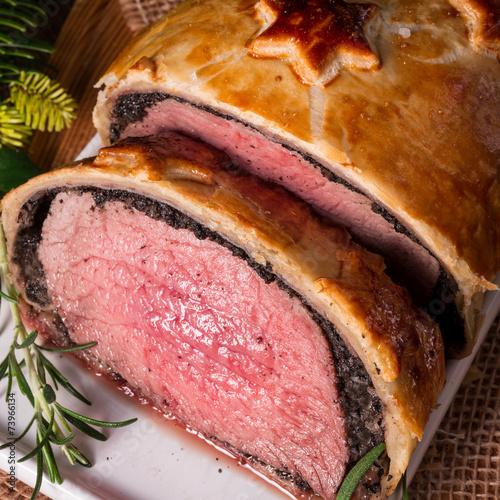 Foto op Canvas Kruidenierswinkel Beef Wellington as Advent creation