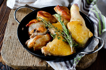 Chicken baked with rosemary and thyme