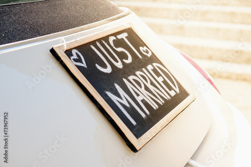 Tuinposter Vintage cars Just married