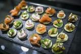 Häppchen und Finger Food auf Buffet / Catering