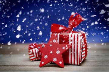 chrismas gifts and snow