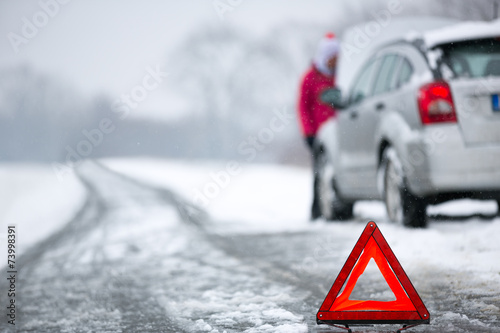 Winter car breakdown - 73998391