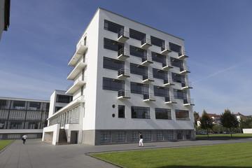 Bauhaus mit Balkonen