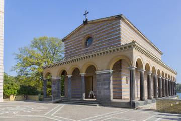 Kirchenschif Sakrow