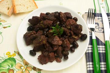 Cinghiale con olive