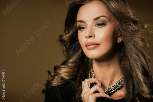 canvas print picture Fashion brunette portrait of beautiful woman
