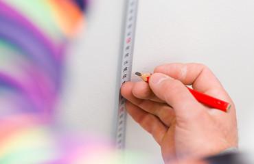 Handyman measuring