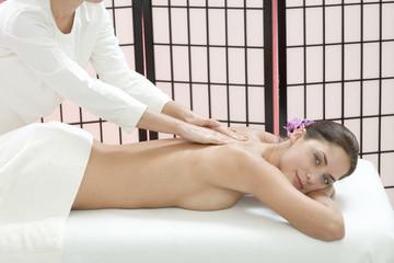Frau jung, Massage, lächeln