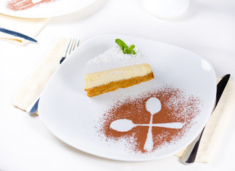 Decorative plating and presentation of cheesecake