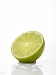 Geschnittene Limette, close-up