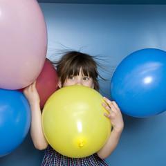 Mädchen mit Luftballons, Portrait