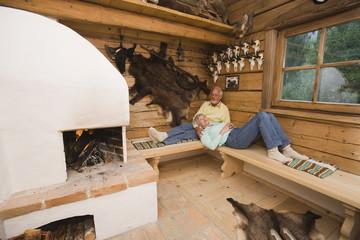 Älteres Paar Entspannung im Jagdschloss