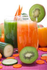 Diät mit Obst und Gemüsesmoothies