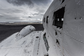Crash d'avion dans un désert