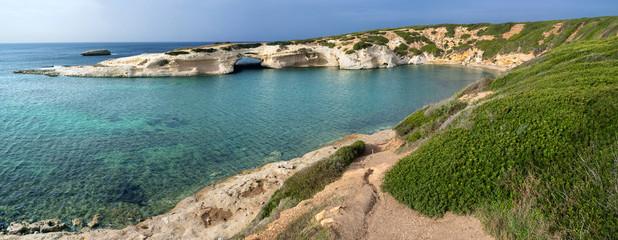 Sardegna, panorama di s'Archittu, monumento naturale