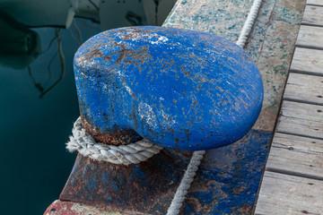 Bolardo en el Puerto de Castellón
