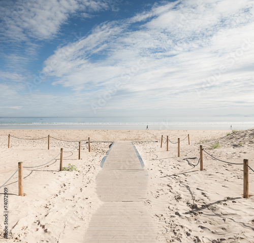 Playa de Laredo, España - 74072909
