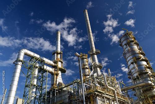 Leinwanddruck Bild Raffinerie - Chemiewerk // Refinery - chemical plant