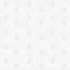 Silberne Ostereier ton in ton auf silbernem Hintergrund