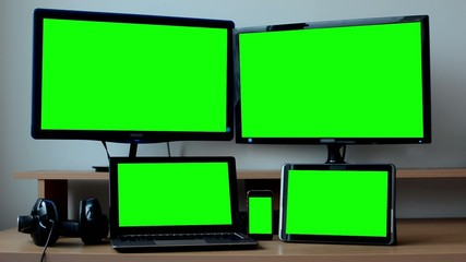 all devices (PC, laptop, tablet, smartphone) - green screen