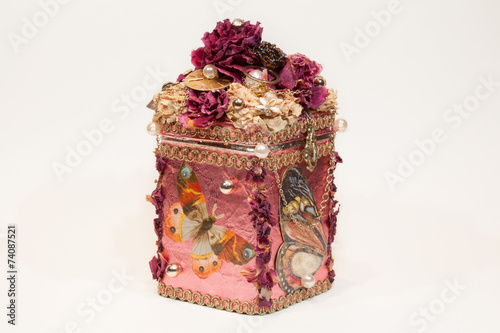 Beautiful handmade pink casket - 74087521