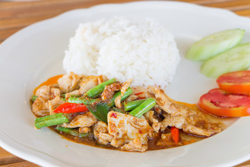 Chicken and cowpea fried with chillies , Thai food