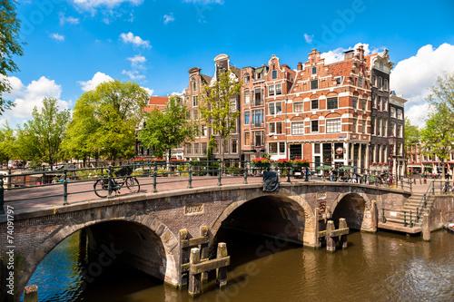 Plakát, Obraz Amsterdam Naklonil Budovy a kanálů