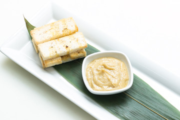 Mashed garlic sauce with bread croutons