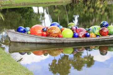 Chihuly Canoe exhibition - fairchild gardens
