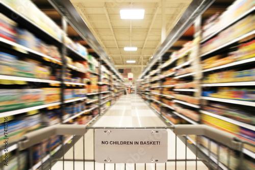 Keuken foto achterwand Boodschappen a blurred shot of an isle in a supermarket or grocery store shop