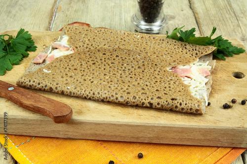 Papiers peints Entree, salade galette au jambon