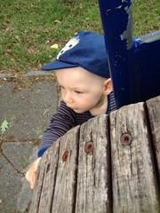 chłopiec przy kole