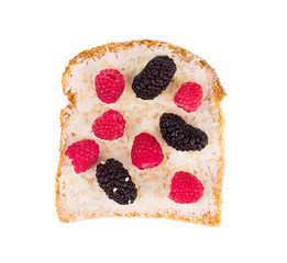 sandwich with berries