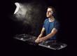 Deejay mixing on vinyl