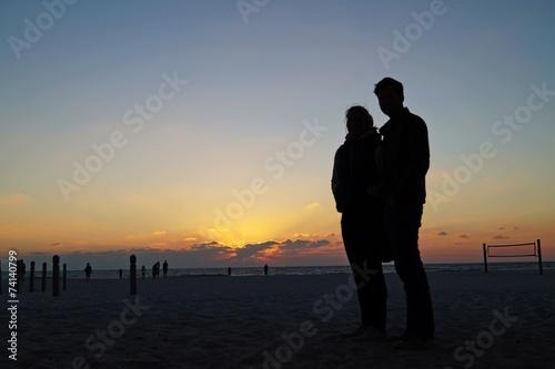 canvas print picture Junges Paar am Strand von Miami