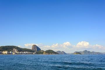 Praia de Copacabana com vista para o morro do Pão de Açúcar