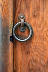 Detalhe por antiga de madeira com detalhe em ferro
