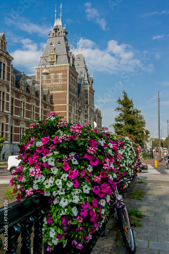 canvas print picture Flowers outside the Rijksmuseum in Amsterdam