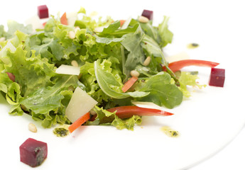 Salad with beet root and ruccola