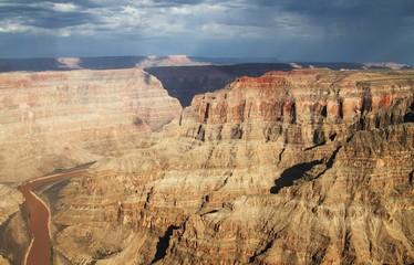 Regen über dem Grand Canyon