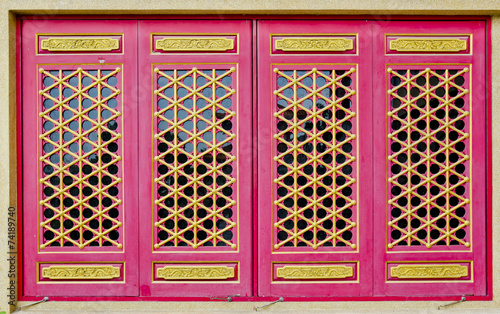 Foto op Plexiglas Roze A part of Chinese style roof at Wat Leng-Noei-Yi in Nonthaburi p