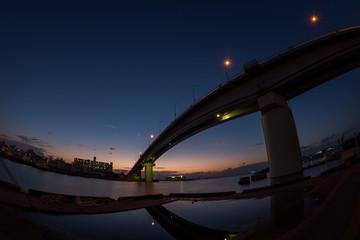 沖縄 泊大橋の夕景