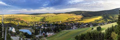 Leinwanddruck Bild Blick auf Oberwiesenthal