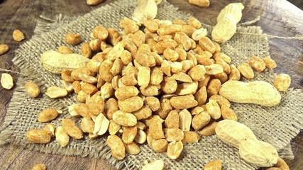 Peanuts (not seamless loopable)