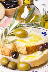 pane e olio con olive