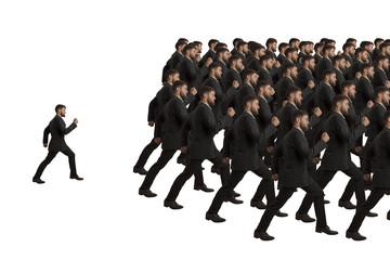 Marschierende Klone und Einzelgänger
