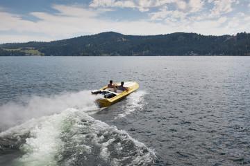 Speedboat Waves