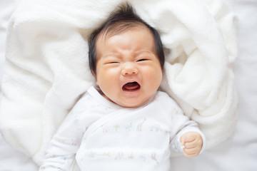 ぐずる赤ちゃん